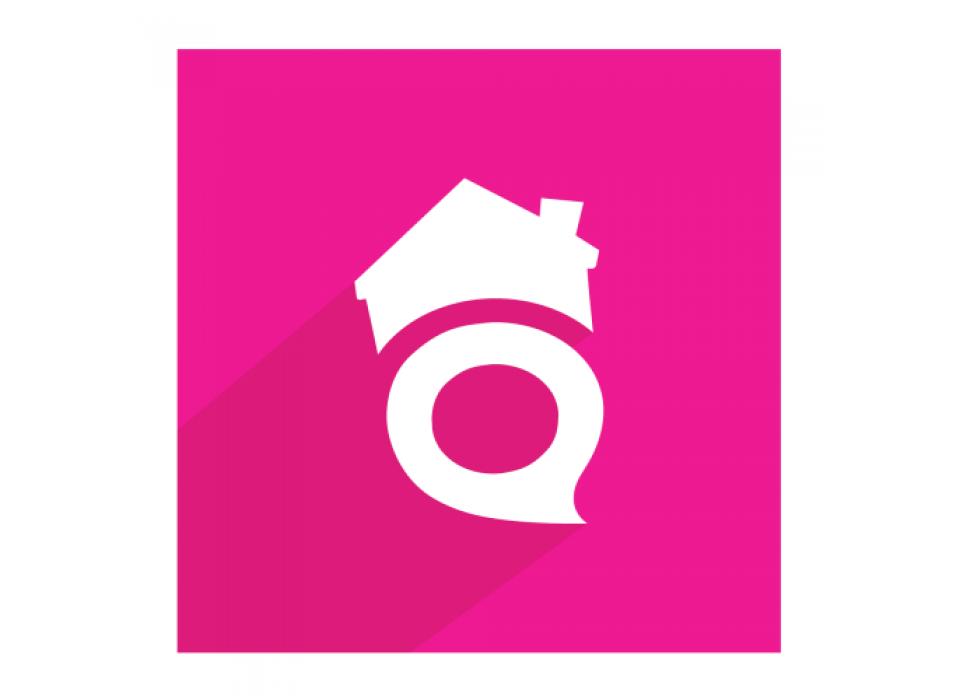SocialParty sobre fondo rosa